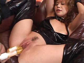 Japanese girl dressed in latex gets her pussy pokes and squirts
