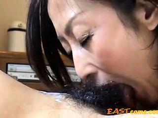 She like cum in mouth 16