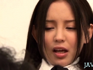 Japanese housewife gives a foaming at the mouth despondent oral-service