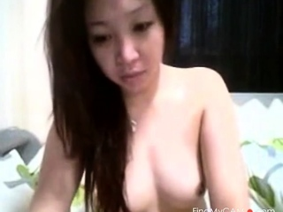 Sexy Pinay plays thither me
